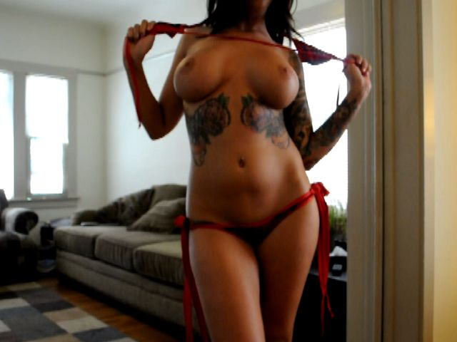 Tattooed busty exgirlfriend Emily Parker showing her perfect body