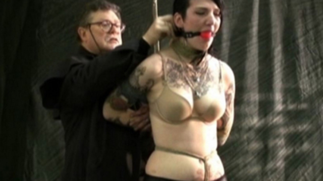 tattooed-slave-ava-tied_01