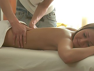 Teen rubbed and fucked Tricky Masseur XXX Porn Tube Video Image