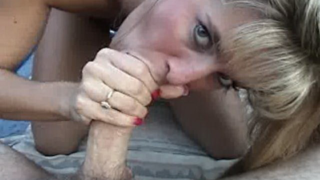 Tempting-blonde-amateur-nymphet-ashly-shy-gives-blowjob-in-pov-style-outdoors_01