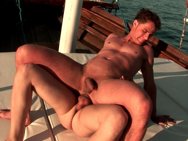 Tempting brunette gay Arcanjo gets tight butthole nailed hard by Eduardo's huge schlong on a boat