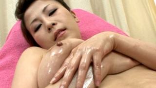 Tempting Japan Cutie Yuki Aida Fingering Her Sweet Oiled Pussy In Close-up