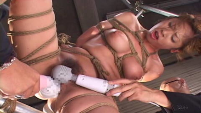 toys-and-vibrators-used-on-rope-bound-woman_01