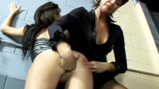 Vanessa Fisting Her Lesbian Partner