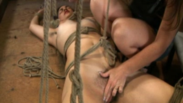 zayda-is-bondage-brazilian_01-3